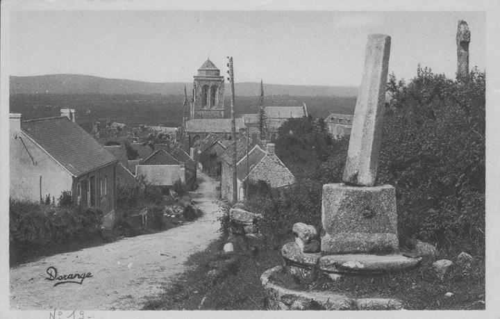 Croix de l'ancien cimetière du Prieuré