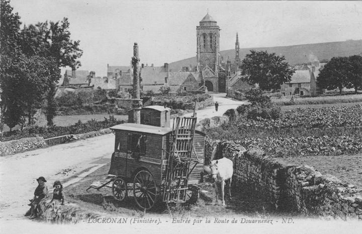 Entrée de Locronan vers 1905