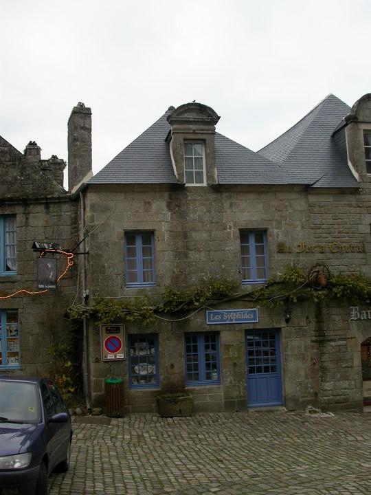 Maison 167, anciennement Les trois pigeons