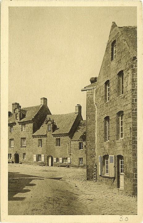 Maison 184, à l'angle ouest de la rue Moal