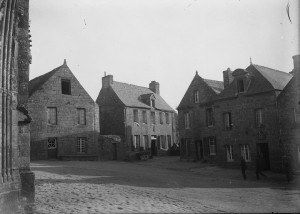 Le coin Sud-Ouest de la place, avant 1933