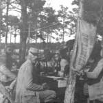 1918 - Poilus attablés