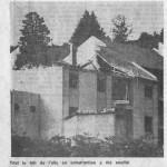 Une partie du toit est soufflé par l'explosion